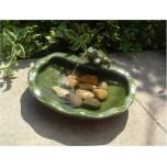 Fontaine solaire Grenouille en céramique vernissée verte