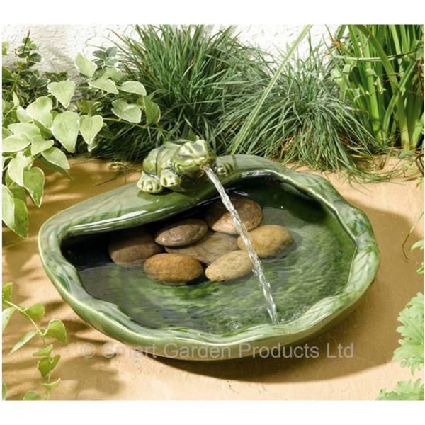 Fontaine solaire smart solar grenouille en céramique verte ...